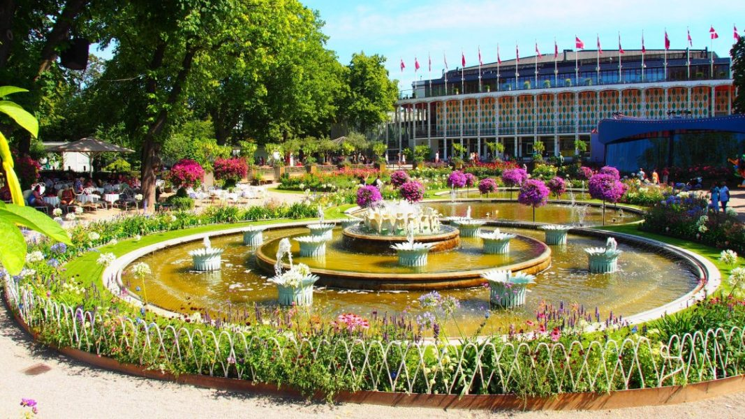 Парк Тиволи в Копенгагене