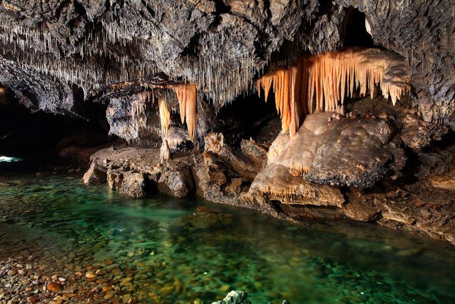 Демановская сталактитовая пещера