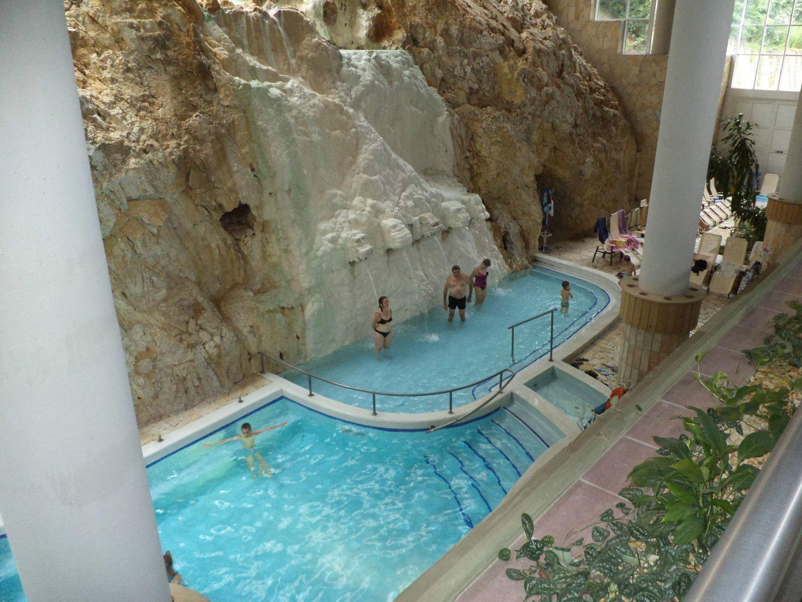 Пещерная купальня Мишкольц-Тапольцы