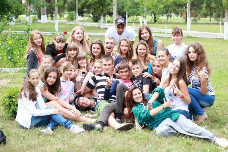 дети в лагере Романтик