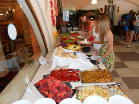 питание в лагере PONTIKA