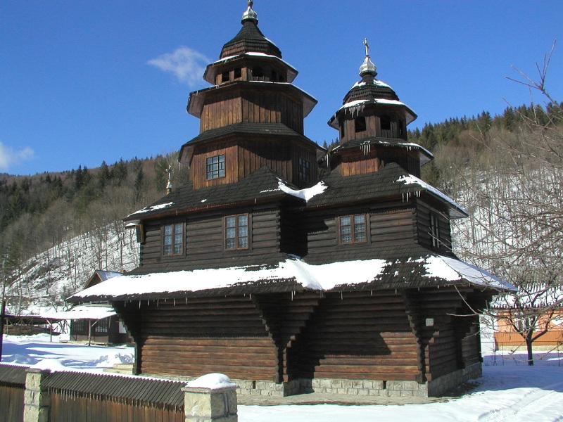 Яремче церква