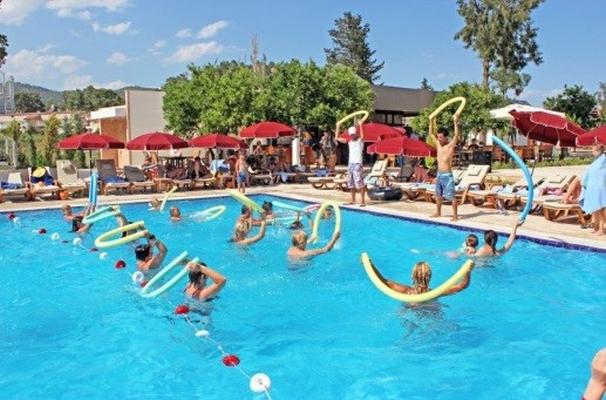 бассейн в лагере