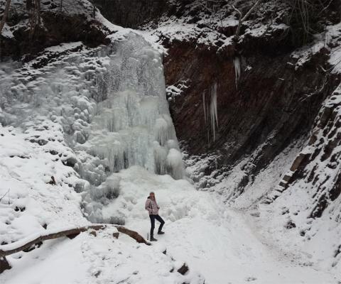 Манява водопад